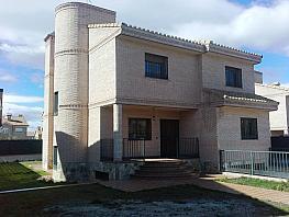 Chalet en alquiler en Serranillos del Valle - 377425677