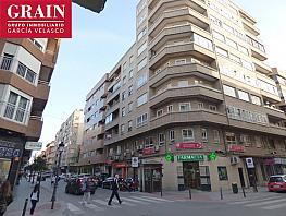 Piso en venta en calle Dionisio Guardiola, Centro en Albacete - 341832315