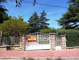 Casa en venta en calle Arganda, Loeches - 358389244
