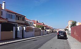 Piso en venta en calle Isaac Albeniz, Centro Urbano en Bollullos de la Mitación - 280646349