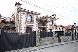 Chalet en venta en calle Moreras, Griñón - 275457507