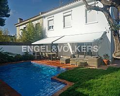 Casa en alquiler en Terramar en Sitges - 336240426