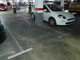 Parkplatz in verkauf in calle Galileu, Sants in Barcelona - 257815895