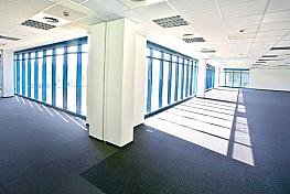 Oficina en alquiler en calle Garrotxa, Polígono Industrial Mas Blau II en Prat de Llobregat, El - 269431014