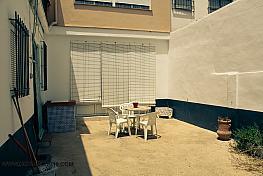 Patio - Casa en venta en calle Colon, San Juan del Puerto - 331015436