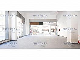 Local comercial en alquiler en Sants-montjuïc en Barcelona - 355421347