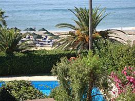 Casa adosada en alquiler en calle Alfonso de Hohenlohe, Lomas de Marbella Club-Puente Romano en Marbella - 332706092