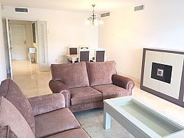 Piso en alquiler en calle Alfonso de Hohenlohe, Urbanizaciones en Marbella - 334404134