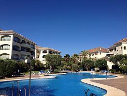 Piso en alquiler en urbanización Bahia de Marbella, Marbella Este en Marbella - 334404393