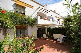 Casa adosada en alquiler en calle Alfonso de Hohenlohe, Milla de Oro en Marbella - 341815980
