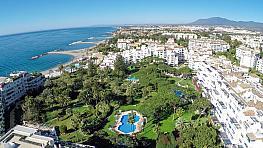 Piso en alquiler en calle Playas del Duque, Puerto Banús en Marbella - 347115319