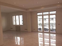 Piso en alquiler en calle Antonio Acuña, Retiro en Madrid - 320597426
