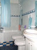 Baño - Piso en venta en barrio Basozelai, Basauri - 127429615