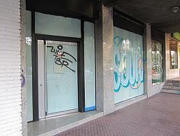 Local comercial en alquiler en calle Valmojado, Aluche en Madrid - 395683397