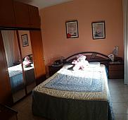 Dormitorio - Piso en venta en calle Llobera, Les Roquetes-Canyelles en Barcelona - 235798115