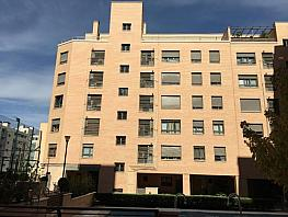 Piso en alquiler en calle Ana de Austria, Sanchinarro en Madrid - 330739796