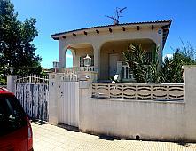 Casas Albinyana, Les peces