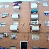 fachada-piso-en-alquiler-en-puente-de-vizcaya-san-andres-en-madrid-222897801
