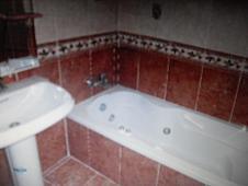 Baño - Piso en venta en calle Germajose Orti, Torrent - 127278180