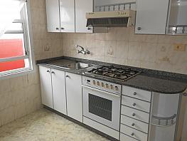 Piso en alquiler en barrio San Luis, Os Mallos-San Cristóbal en Coruña (A) - 281887886