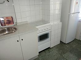 Piso en alquiler en barrio San Luis, Os Mallos-San Cristóbal en Coruña (A) - 317590845
