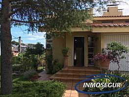 Fachada - Casa pareada en venta en calle Cala Crancs, Cap salou en Salou - 320732142