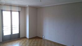 Piso en alquiler en calle Joyeros, Salamanca - 329965394