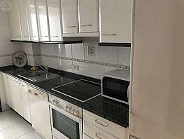 Foto - Apartamento en alquiler en calle Pza España, Calvario-Santa Rita-Casablanca en Vigo - 394851717