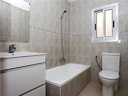 Piso en alquiler en calle Pedro Cabanes, Torrefiel en Valencia - 304773235