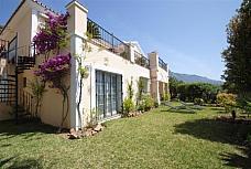 Fachada - Casa adosada en venta en calle Pleyades, Nueva Andalucía-Centro en Marbella - 151444747