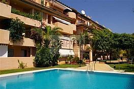 Piso en venta en calle De la Jacaranda, Milla de Oro en Marbella - 280328324
