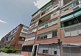 Fachada - Piso en venta en calle Camarena, Aluche en Madrid - 352633401