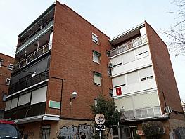 Fachada - Piso en venta en calle Ocaña, Aluche en Madrid - 367210526