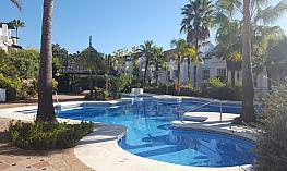 Piscina - Casa adosada en alquiler en calle Pintor Francisco Iturrino, Torrecilla-Mirador en Marbella - 349746359