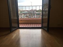 Piso en alquiler en calle Praga, El Baix Guinardó en Barcelona - 333115355