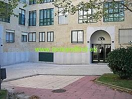 Fachada - Piso en venta en plaza Castrotorafe, Capuchinos en Salamanca - 222848181