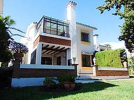 Casa adosada en venta en calle Don Jose Orbanija, calahonda en Mijas - 240075473