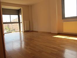Piso en alquiler en calle Isabel Clara Eugenia, Sanchinarro en Madrid - 272263440