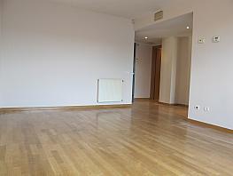 Piso en alquiler en calle Isabel Clara Eugenia, Sanchinarro en Madrid - 272265416