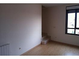 Duplex for sale in calle CL la Hoz, Casarrubios del Monte - 281176558