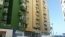 Fachada - Piso en venta en calle Caracolas, Cortadura - Zona Franca  en Cádiz - 316046186