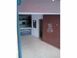 Local comercial en alquiler en Camp de l´Arpa en Barcelona - 378433152