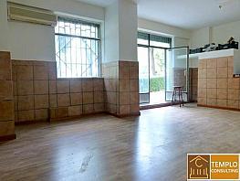 Local de location à calle Puerto de Maspalomas, Mirasierra à Madrid - 298584413