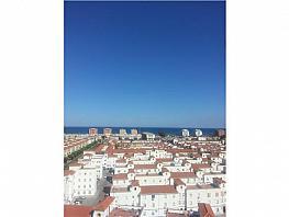 Piso en venta en calle Héroe de Sostoa, La Luz-El Torcal en Málaga - 302430320