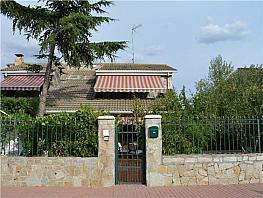 Casa en venta en calle Nuestra Señora del Rosario, Camarma de Esteruelas - 331393177