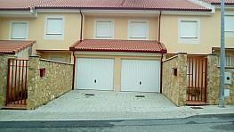 Casa adosada en venta en calle De Torrecaballeros, Lastrilla (La) - 306507129