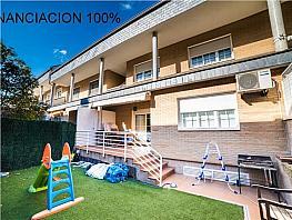 Casa adosada en venta en calle Camilo Jose Cela, Villanueva del Pardillo - 321293613