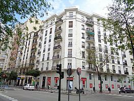 Piso en venta en calle Reina Victoria, Chamberí en Madrid - 358649344