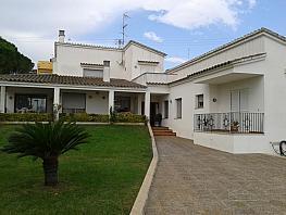Pavillon de vente à calle Sant Jordi, Llers - 326807890