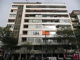 Lokal in miete in calle Loreto, Les corts in Barcelona - 387846986